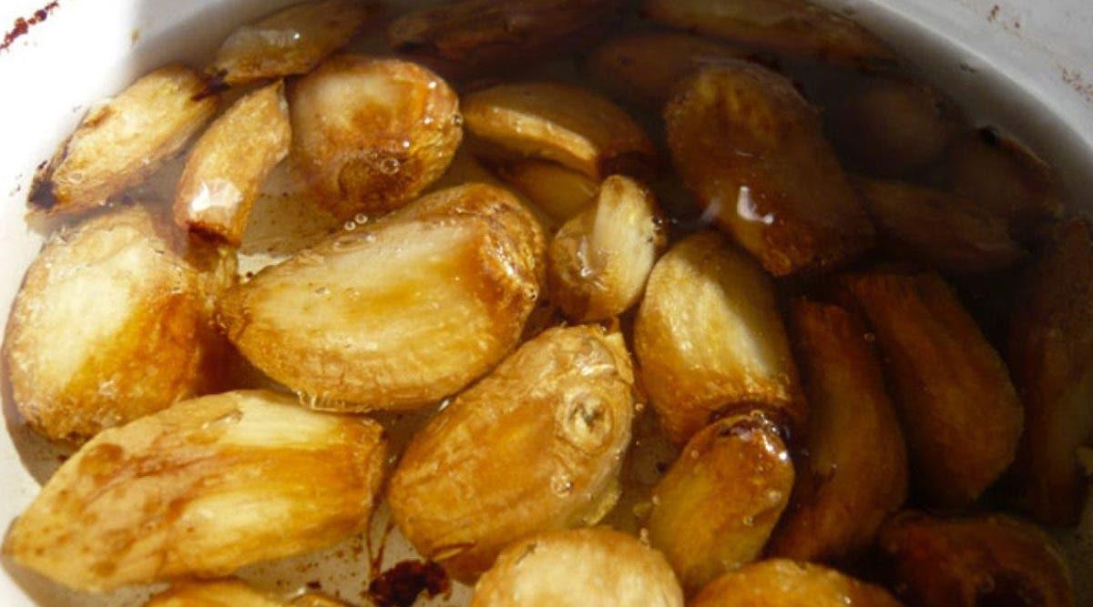 Cette délicieuse soupe à l'ail et au gingembre vous protège du rhume, de la grippe et du norovirus