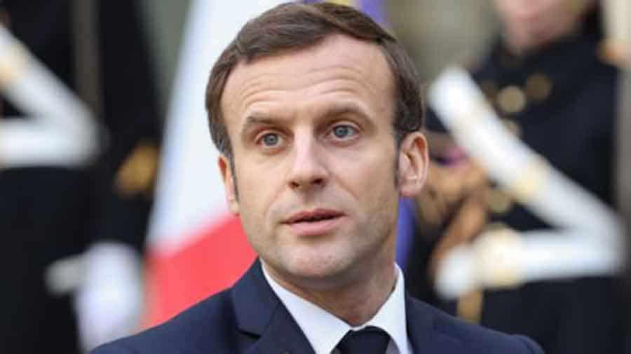 Emmanuel Macron épuisé et au plus mal, le cliché CH0C.