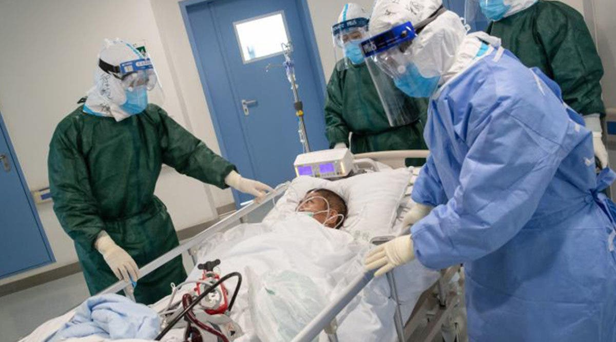 La contamination au coronavirus explose en ce moment chez les jeunes : voici les symptômes à identifier