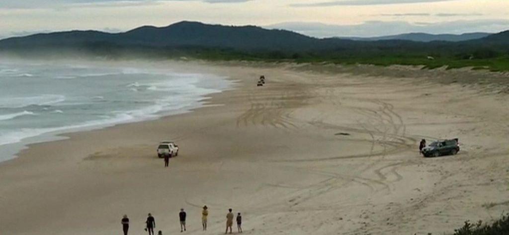 Un surfeur australien sauve sa femme en frappant un requin