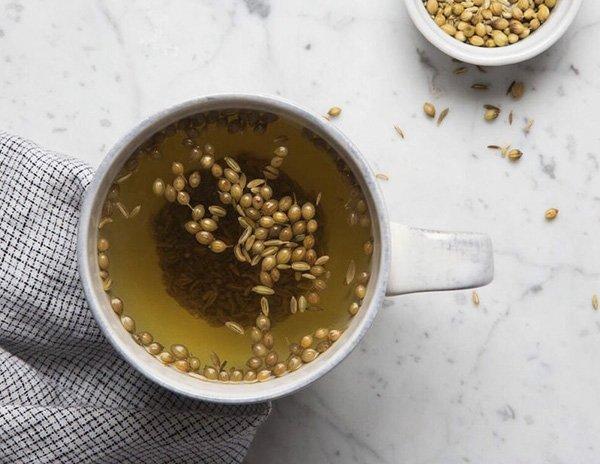 Les meilleures recettes de thés pour lutter contre les varices, la graisse du foie et la perte de poids