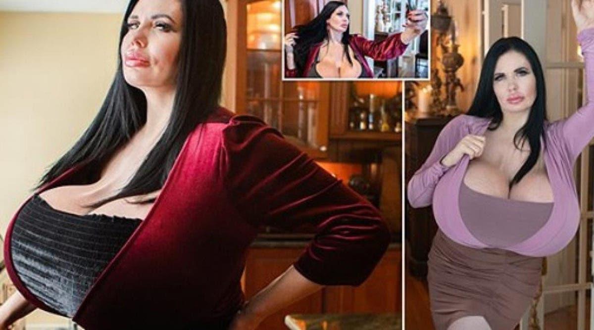 Un mannequin avec une énorme poitrine affirme qu'elle n'arrêtera jamais la chirurgie