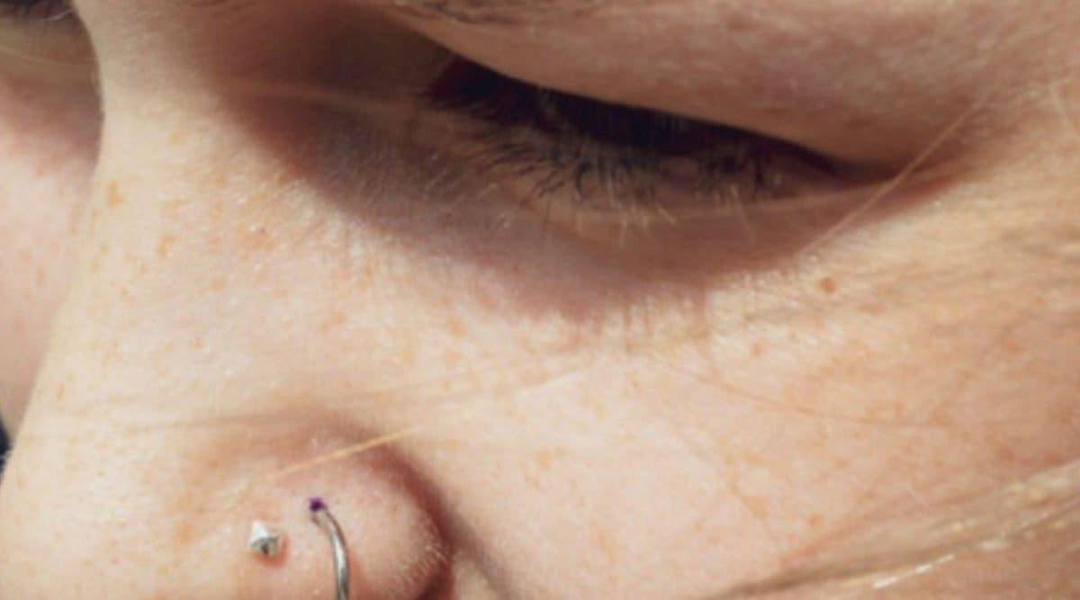 Une femme de 20 ans devient handicapé à cause d'un piercing au nez