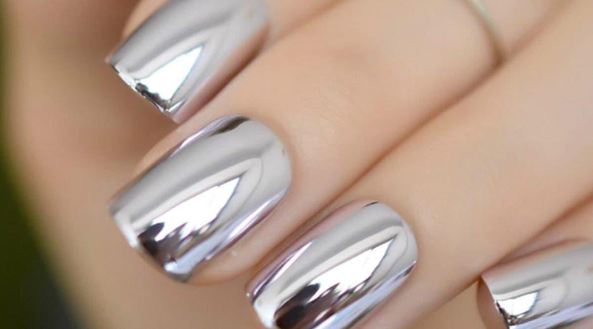 Manucure :Voici comment réaliser un effet miroir sur vos ongles