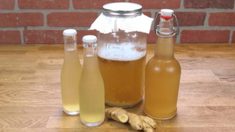 L'eau au gingembre, une délicieuse boisson pour aider à perdre le gras au niveau de votre taille, des cuisses et soulager les douleurs articulaires